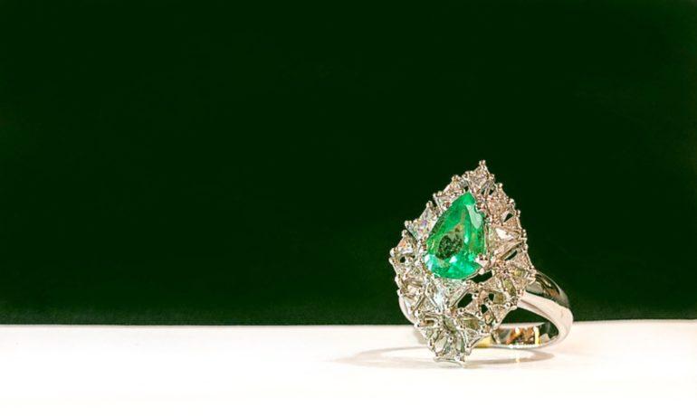 Smeraldo: storia, origine e curiosità sulla pietra verde più bella che ci sia