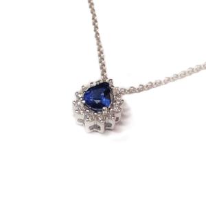 Pendente a goccia con zaffiro e diamanti