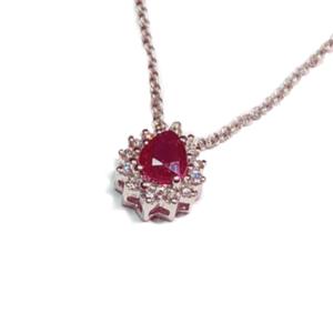 Pendente a goccia con rubino e diamanti