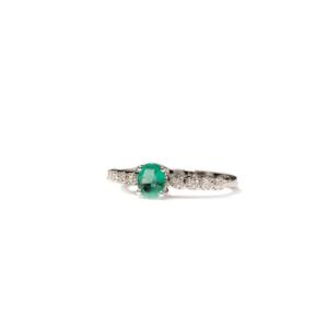 Anello solitario smeraldo con diamanti