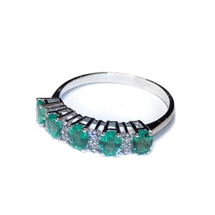 Anello con cinque smeraldi e diamanti