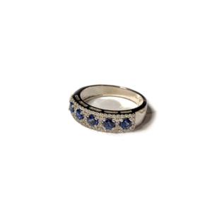 Anello con cinque zaffiri e diamanti