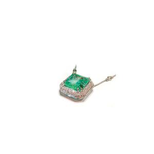 Pendente con smeraldo quadrato e diamanti