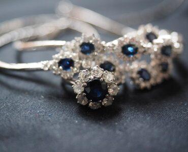 Anello di fidanzamento, rubino o zaffiro?
